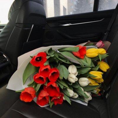 Букет из высоких Тюльпанов