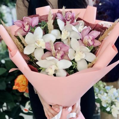 Букет из ароматных орхидей